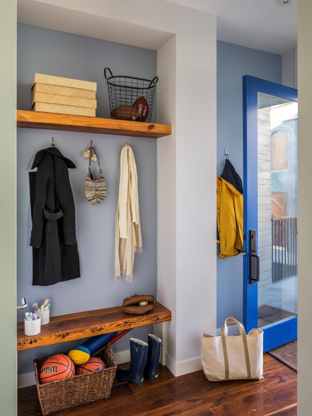 Tremendous 8 Pictures Of Stylish Functional Mudrooms Mudroom Interior Design Ideas Clesiryabchikinfo