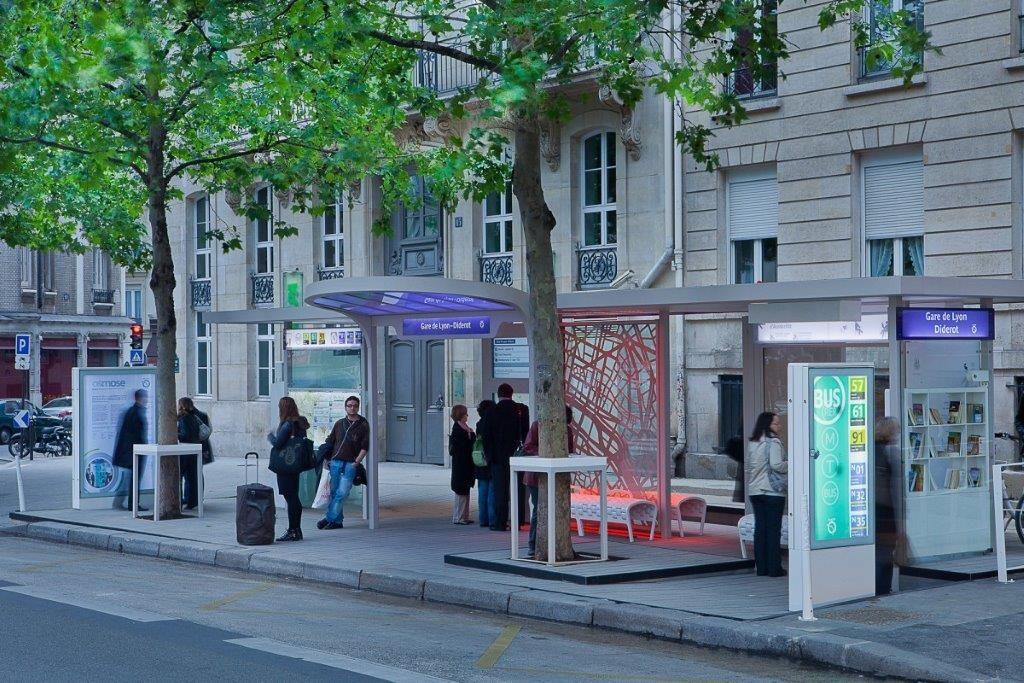 "Картинки по запросу ""paris bus stop"""
