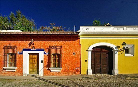 Fachada De Casas Coloniales Casascolonialesguatemala