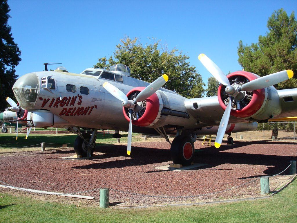 Boeing B17G Flying Fortress, Castle Air Museum, Atwater, CA