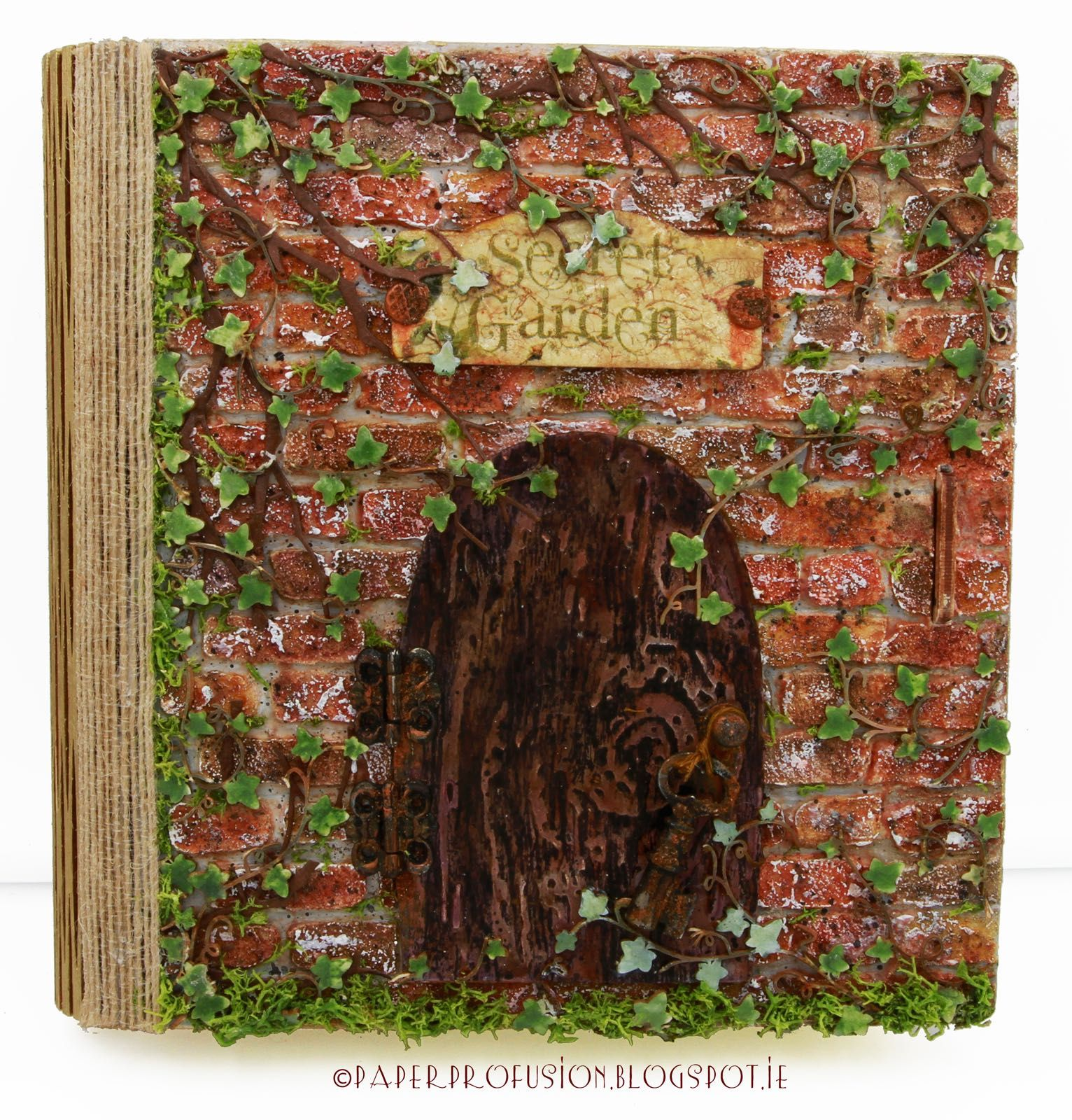 Paper profusion Based on a book -secret-garden