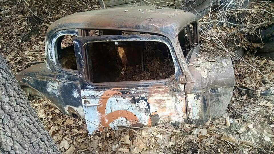 Retired Dam Is This What I Look Like Easy Cool Old Cars Old Classic Cars Abandoned Cars