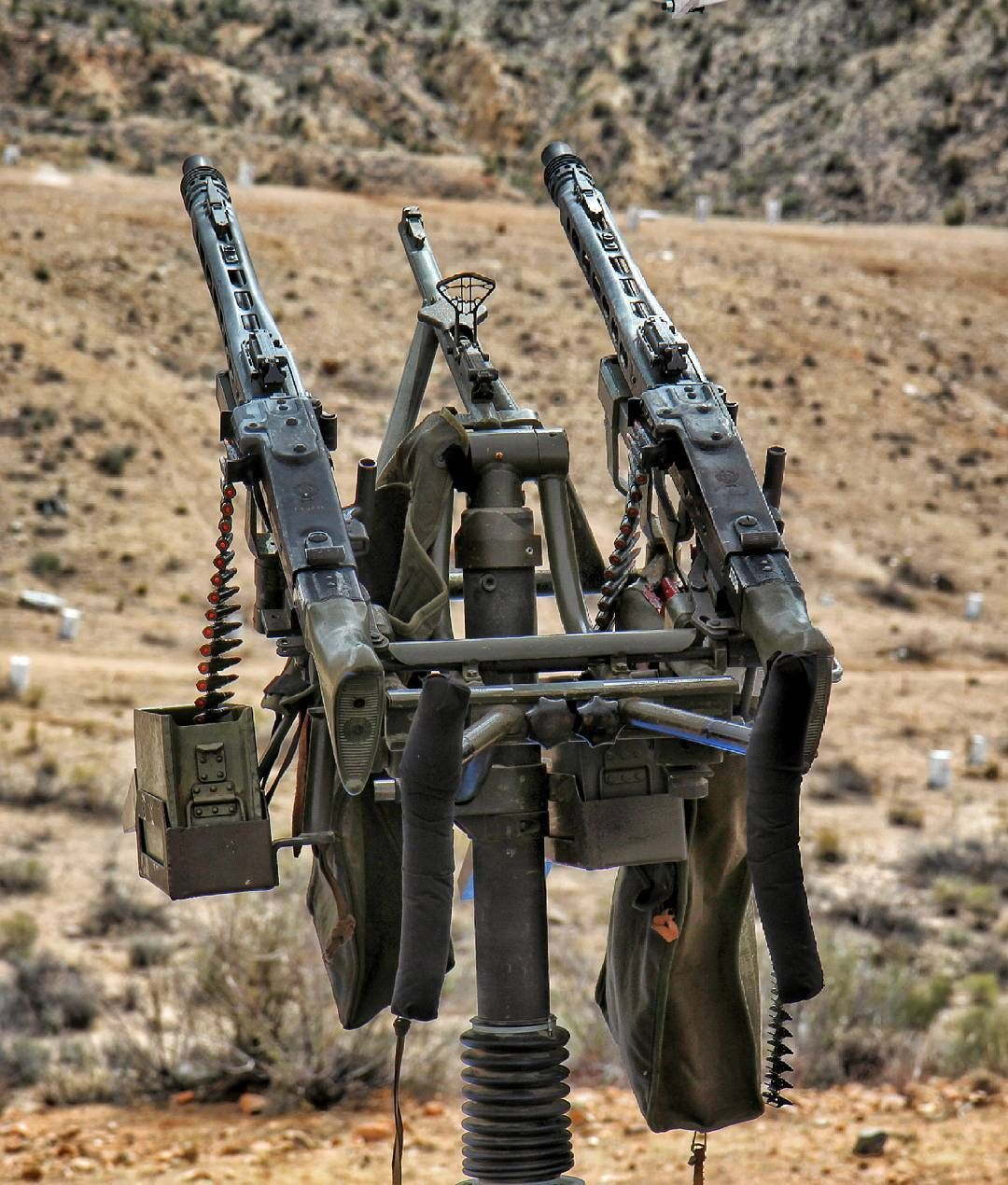 """""""Dual MG42's For The Win. 1200rds Per Minute X 2"""
