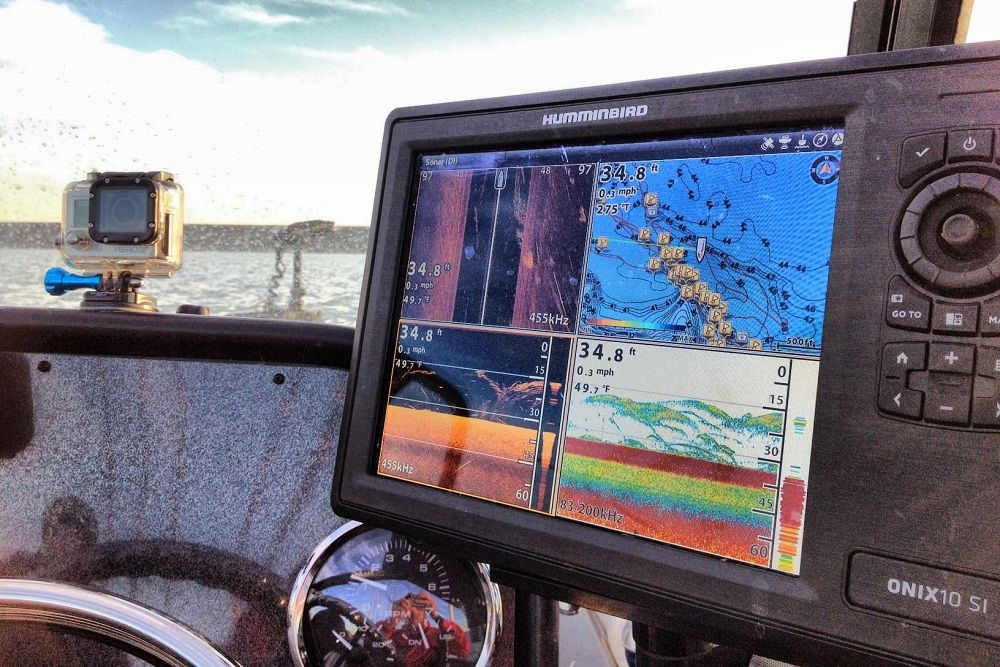 Best Fishfinder GPS Combo Reviews - Buyer's Guide | Fish