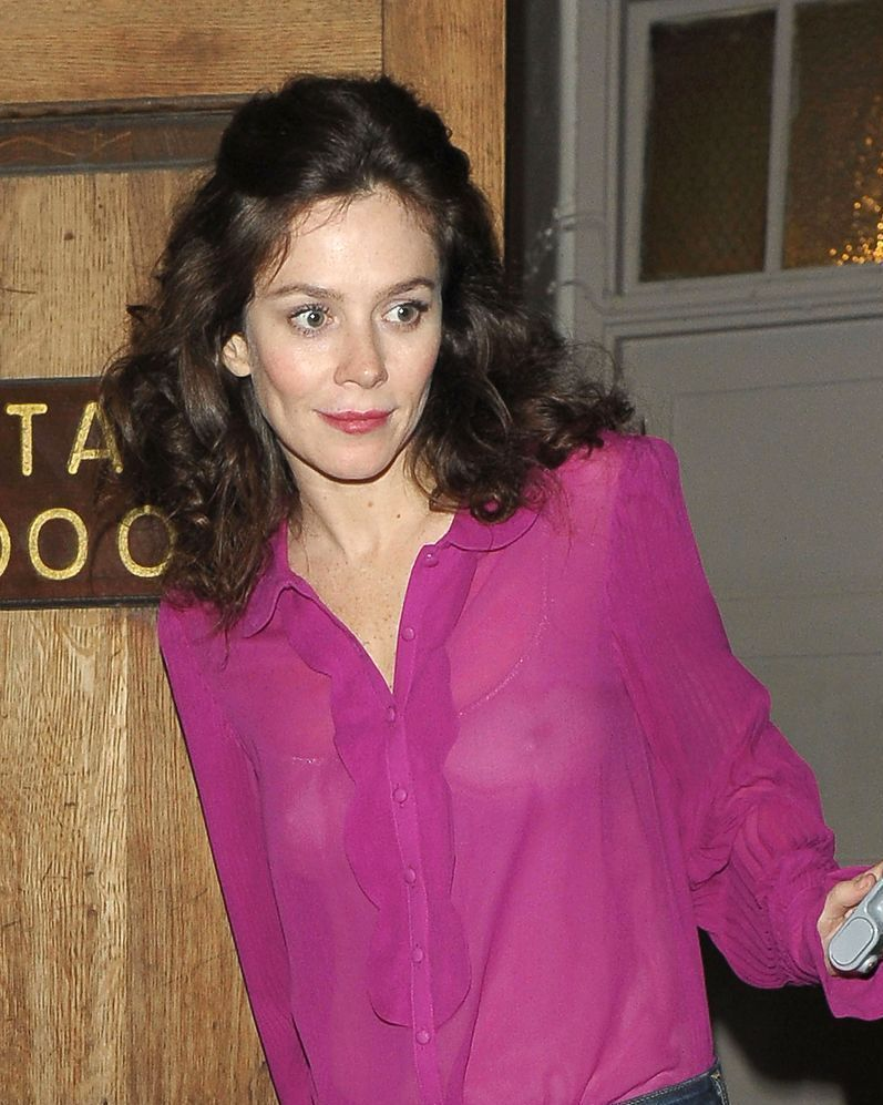 see through Celebrites Anna Friel naked photo 2017