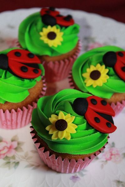 Ladybug Birthday Party Food Ideas And Recipes Cakes And Cupcakes - Bug cupcake decorating ideas