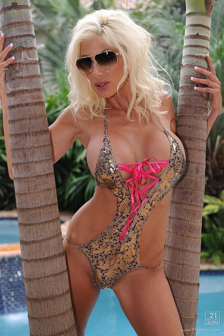 50 Photos That Prove Swedish Bombshell Puma Swede Is The -8906