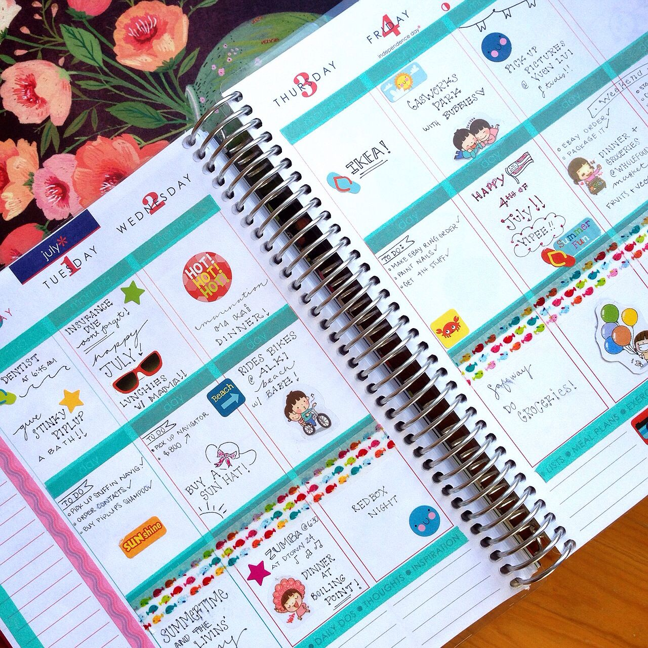 A great #erincondren book. I love her printing! I wish I keep my #planner this tidy :-)