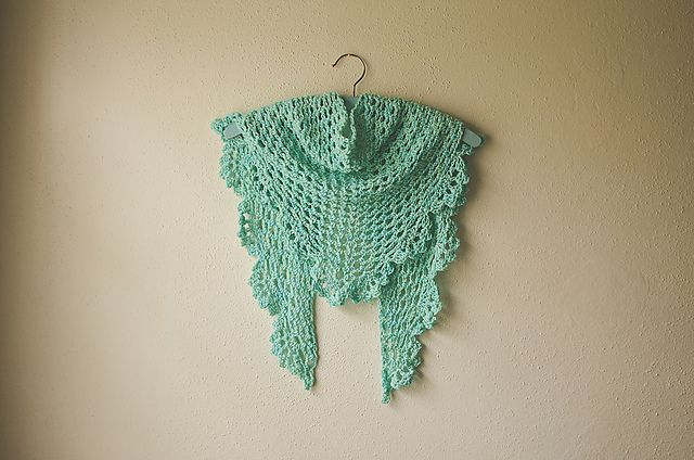 """spring time Dory shawlette. lovely cotton bamboo yarn in """"sweetmint"""""""