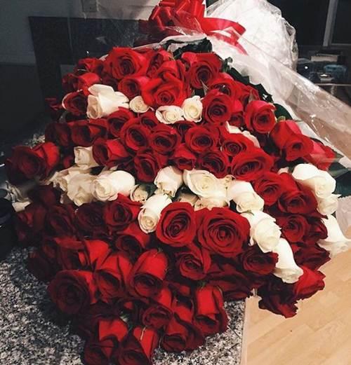 اجمل صور بوكيه ورد كبير و صغير و فرنسي اجمل الالوان و الصور فوائد زراعة الورد صور اجمل 15 بوكيه ورد كبير ص Luxury Flowers Beautiful Roses Floral Bouquets
