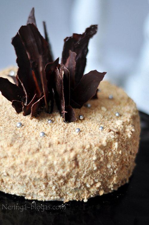 Medaus torto kremas