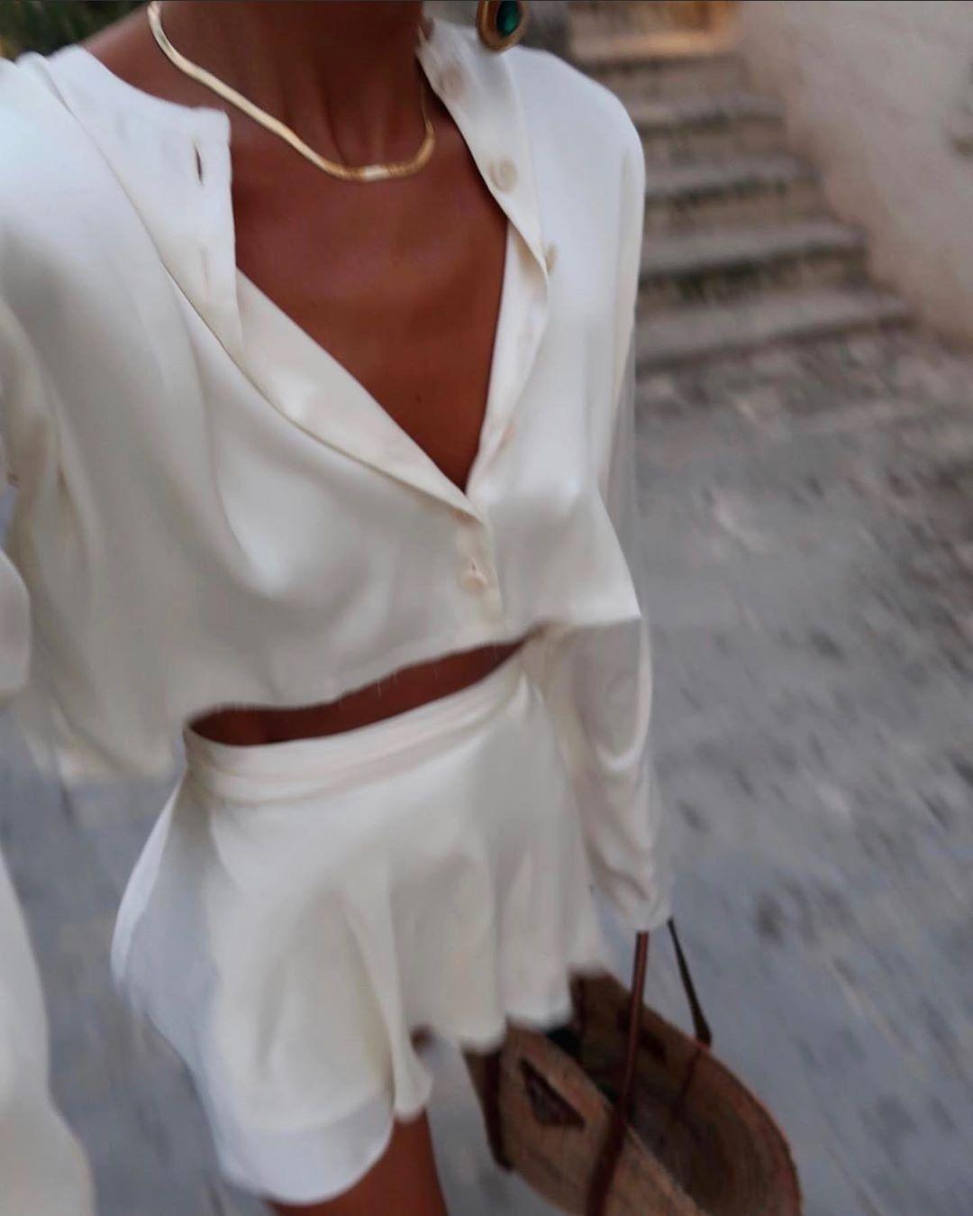Drop shoulder reversible blouse ivory