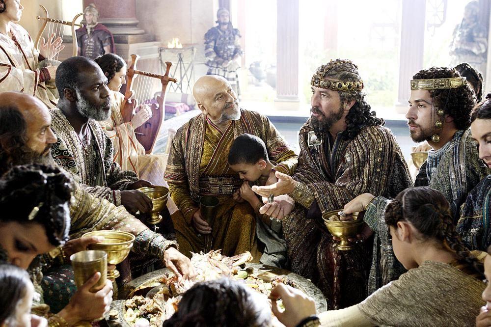 The Nativity Story movie, the banquet scene, eating at king Herod's palace. Diffa, Dastarkwan ...