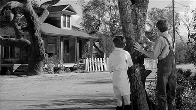 The Radley House From To Kill A Mockingbird Coldwell Banker Blue Matter To Kill A Mockingbird Boo Radley Universal City
