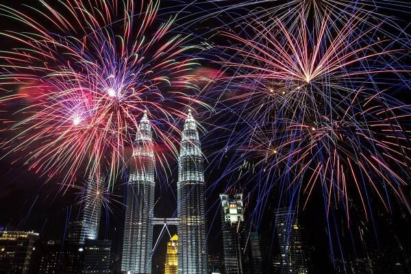 Nbc News On New Year Fireworks New Year S Eve Around The World Fireworks