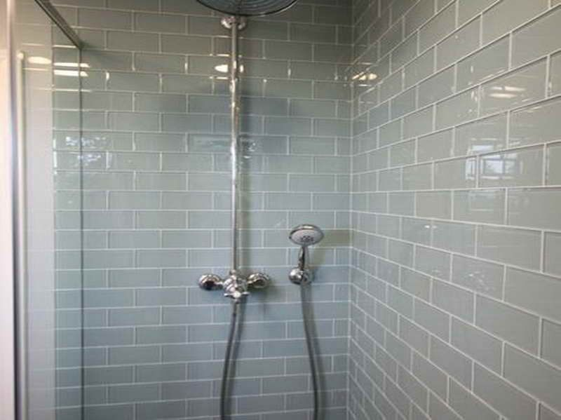Bathroom shower tile design how to choose the right shower tile design with nice color house - Nice subway tile bathroom designs with tips ...