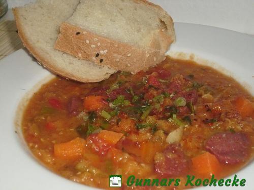 Rote-Linsen-Suppe mit Sucuk