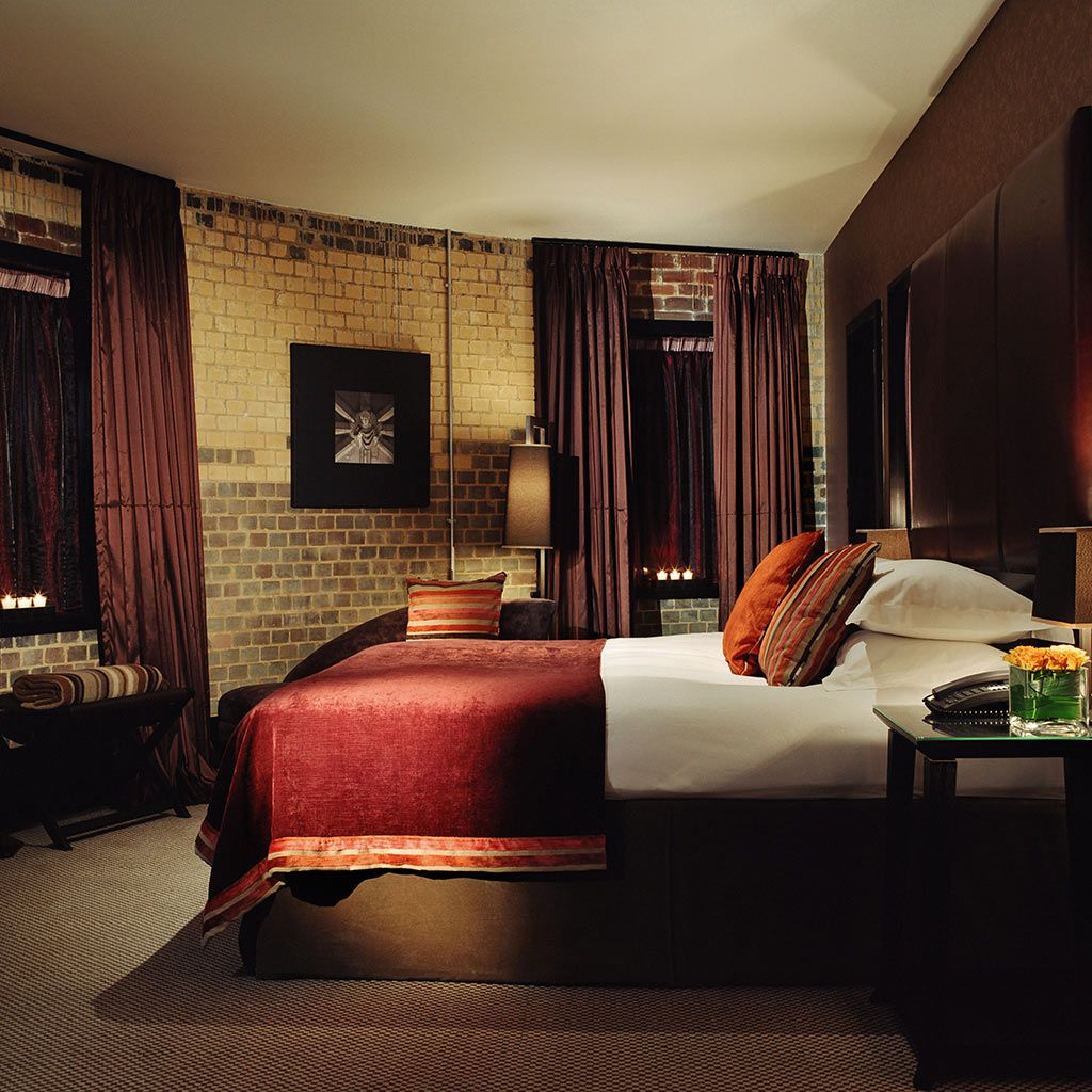 The malmaison hotel in oxford offers contemporary looks to all of their bedrooms boutique