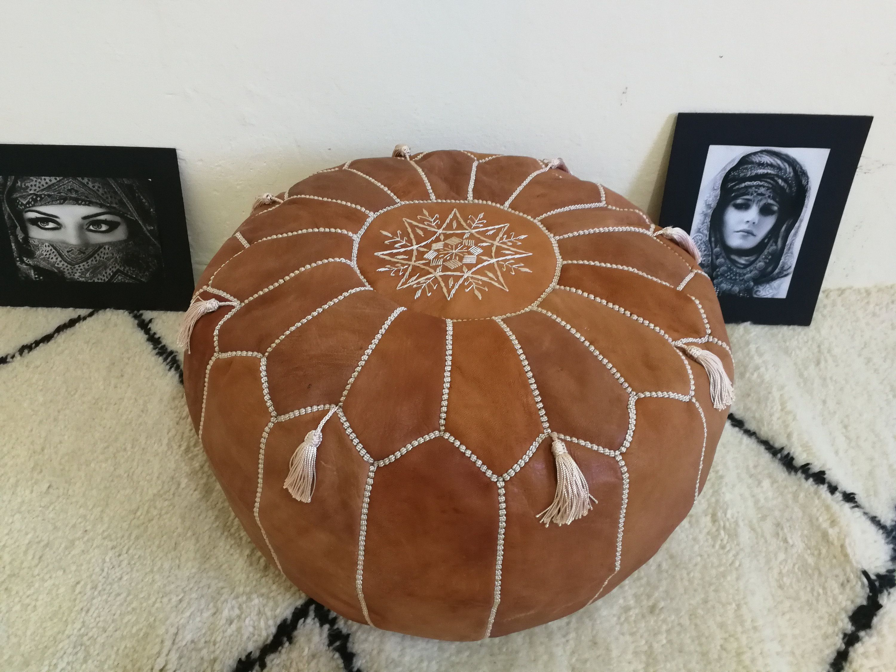 Pin Auf Leather Moroccan Pouf