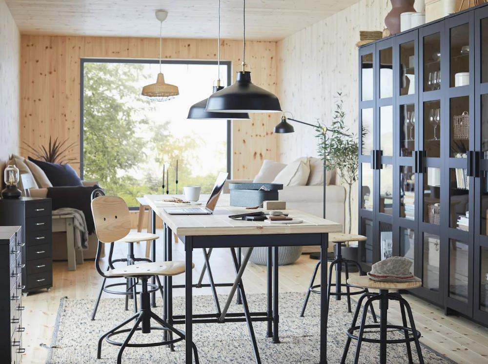 Ein Platz zum Arbeiten, Essen und für Hobbys in 2020