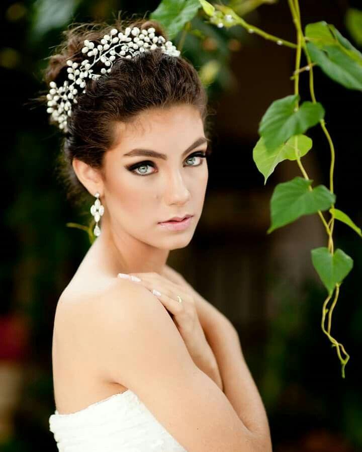 Acessórios para noivas e debutantes Míriam Lasmar.