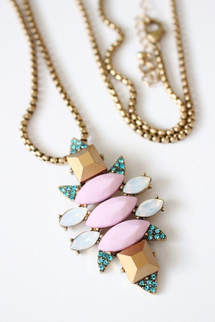 Iridescent Pendant Chain Necklace