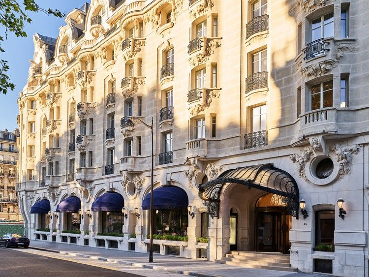 The Newest Grand Dame Hotel In Paris Is A Stunner Condé Nast Traveler Paris Hotels Vacation France Historic Hotels
