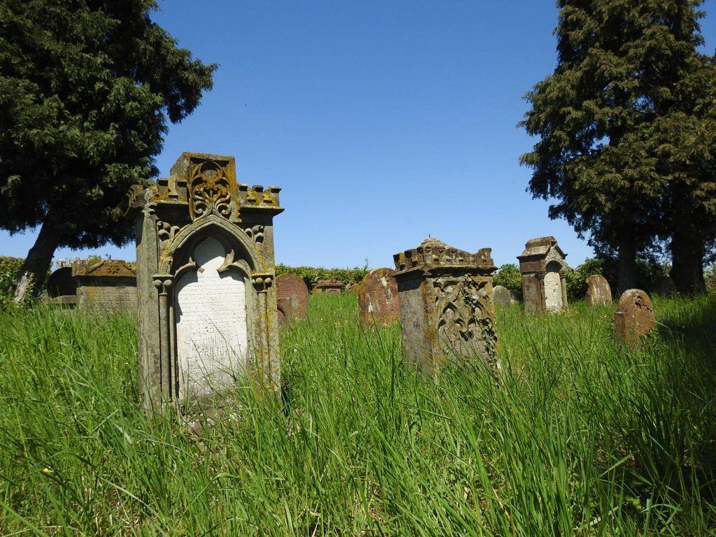 Sonntagsimpressionen Tinaliestvor Judischer Friedhof Friedhofe Friedhof