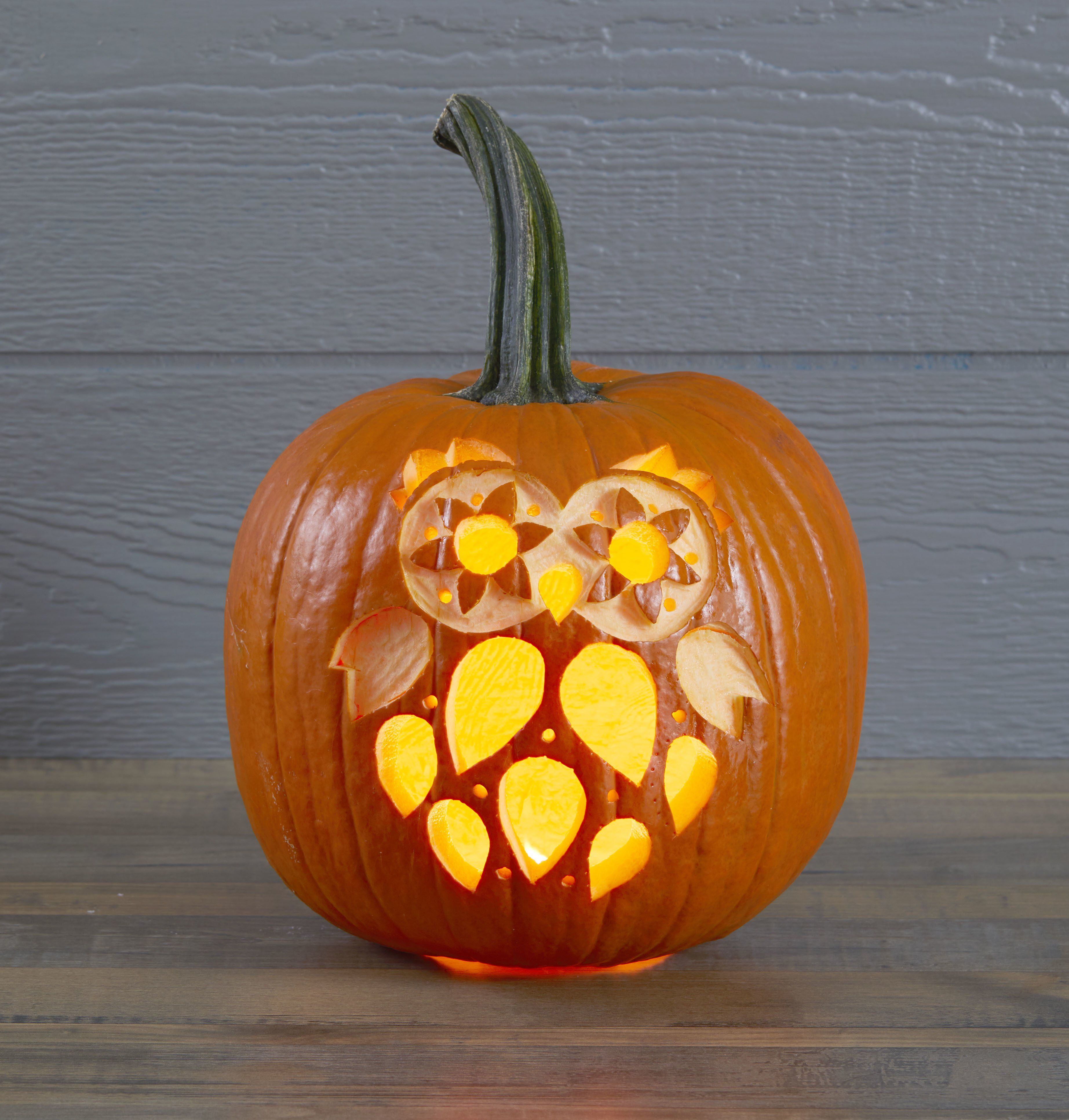 29 Easy Pumpkin Carving Ideas For The Best Jack O