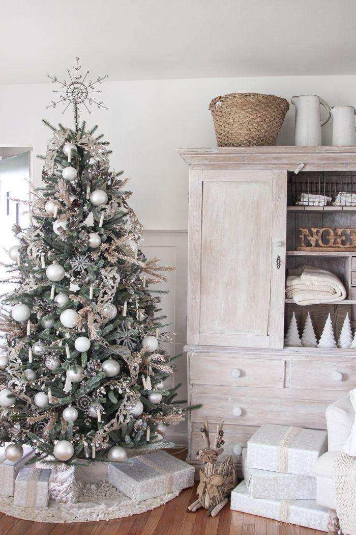 Must See Farmhouse Christmas Tours | Cool Christmas Stuff ...