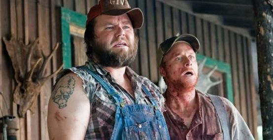 Tyler Labine As Dale And Alan Tudyk As Tucker In The Movie Tucker And Dale Vs Evil Tucker And Dale Vs Evil Best Halloween Movies Good Movies On Netflix