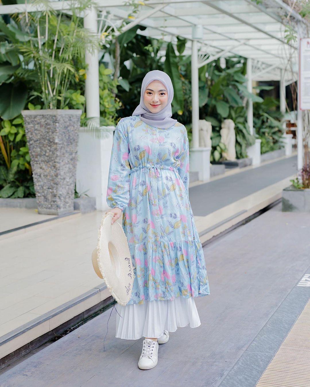 Puspita Rahayu Di Instagram Tidak Ada Orang Yg Menghalangi Langkah Suksesmu Hanya Orang Itu Menjadi Pel Di 2020 Pakaian Feminin Model Pakaian Hijab Gaya Berpakaian