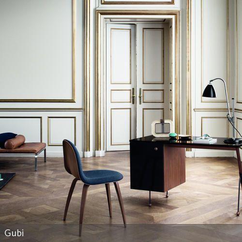 Retro Wohnzimmer mit goldener Stuckarbeit | Dem, Individuell and ...