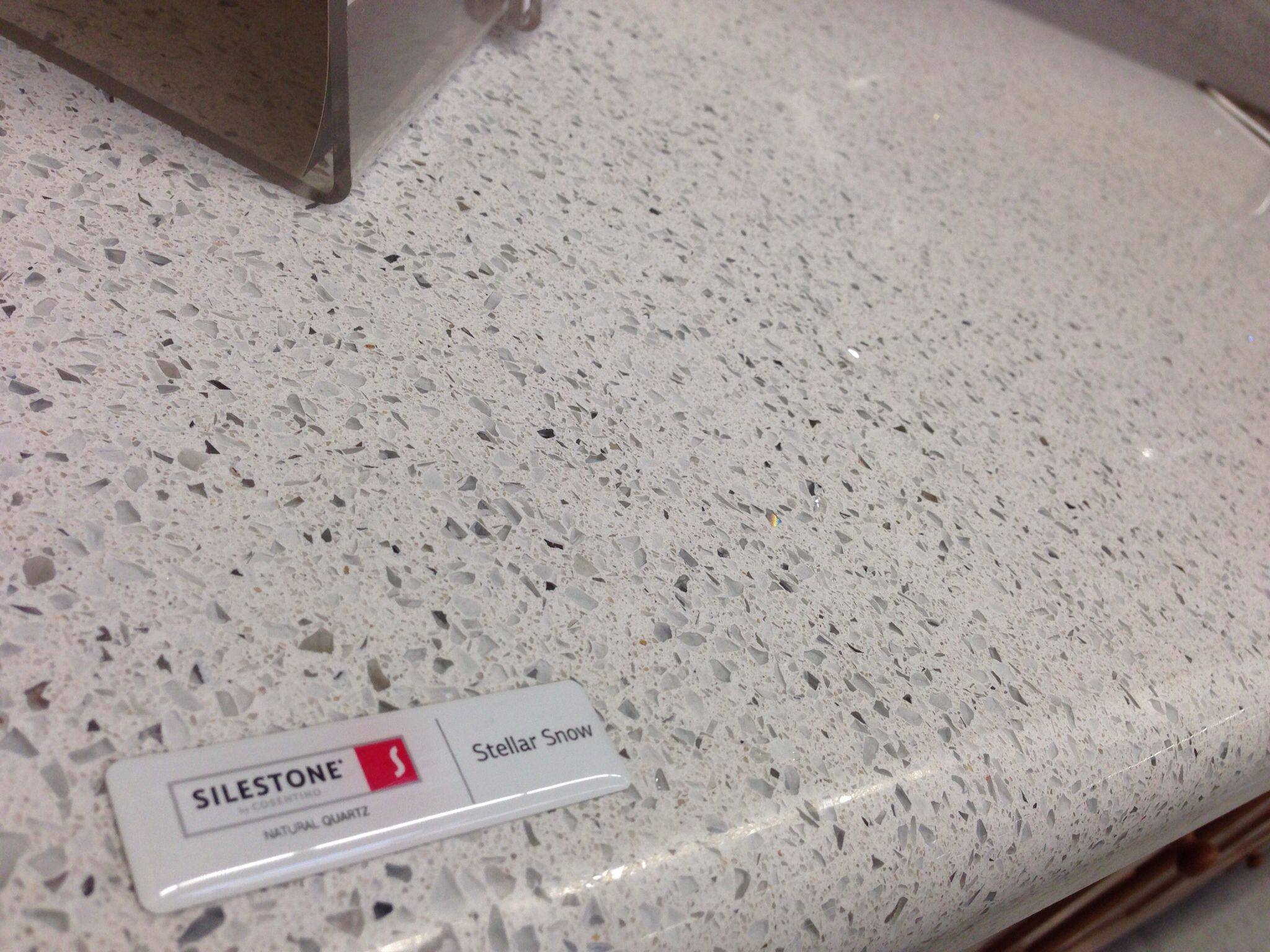 Stellar Snow Countertop From Silestone It Sparkles And Throws Rainbows Because Has Mirror Gl