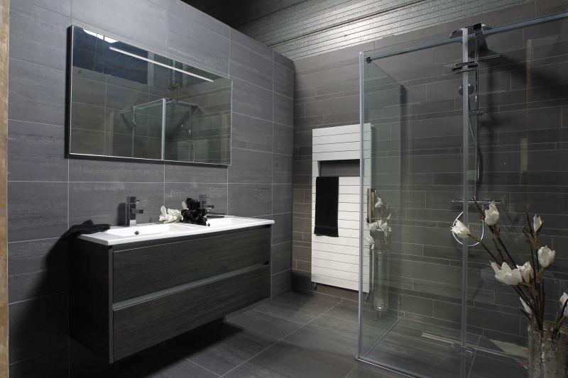 Tegel idee napels vloertegel wandtegel mega tegels badkamers inrichtingidee n - Doucheruimte idee ...