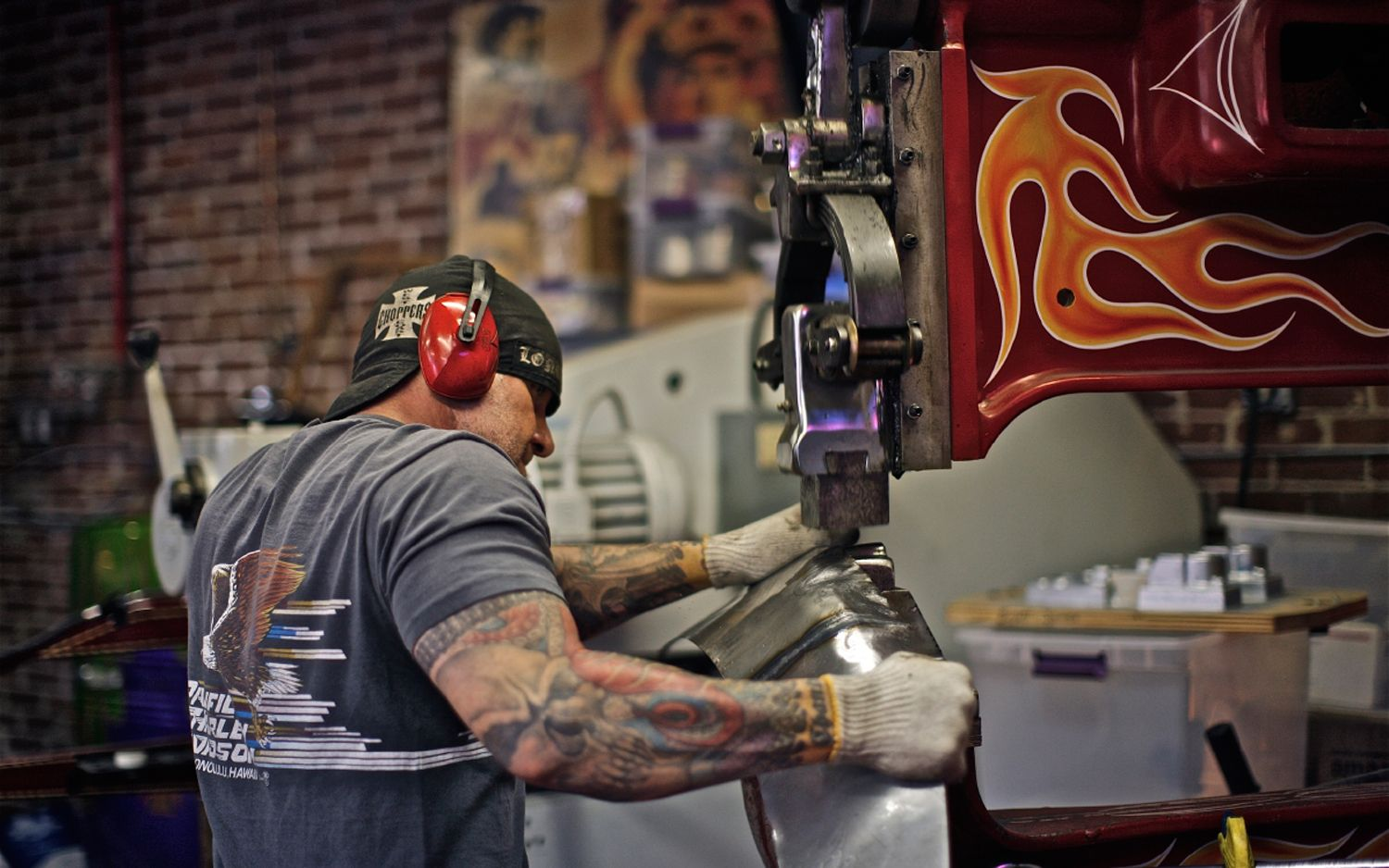 Metalfab All That Glitters Is Metal moreover VIblsVqY80c together with Jesse James Copper Chopper in addition K7mTs4zTZN0 in addition Welding Is A Lifestyle. on jesse james metal fabrication