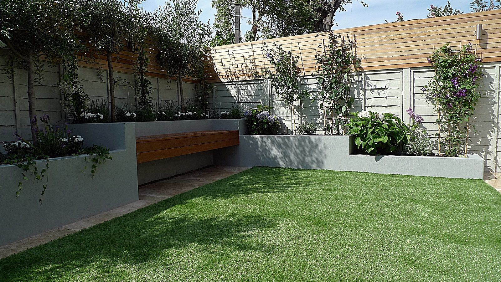 Garden Designers London Painting Entrancing Articicial Grass Trellis Hardwood Painted Fence Dulwich Peckham . Decorating Design