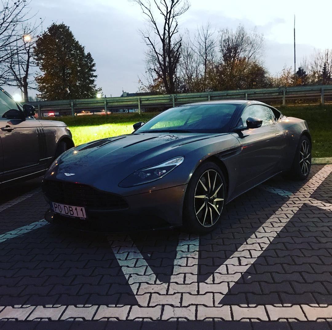Aston Martin Taka Wisienka Na Torcie Dzisiejszego Dnia Bmw - Aston martin jobs