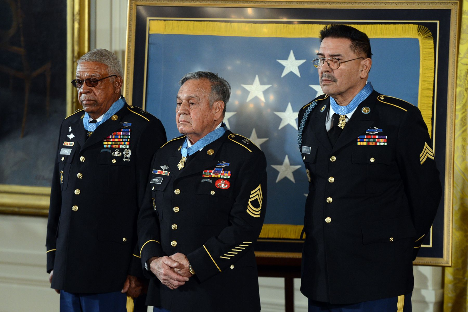 The living recipients of medal of honor among army veterans