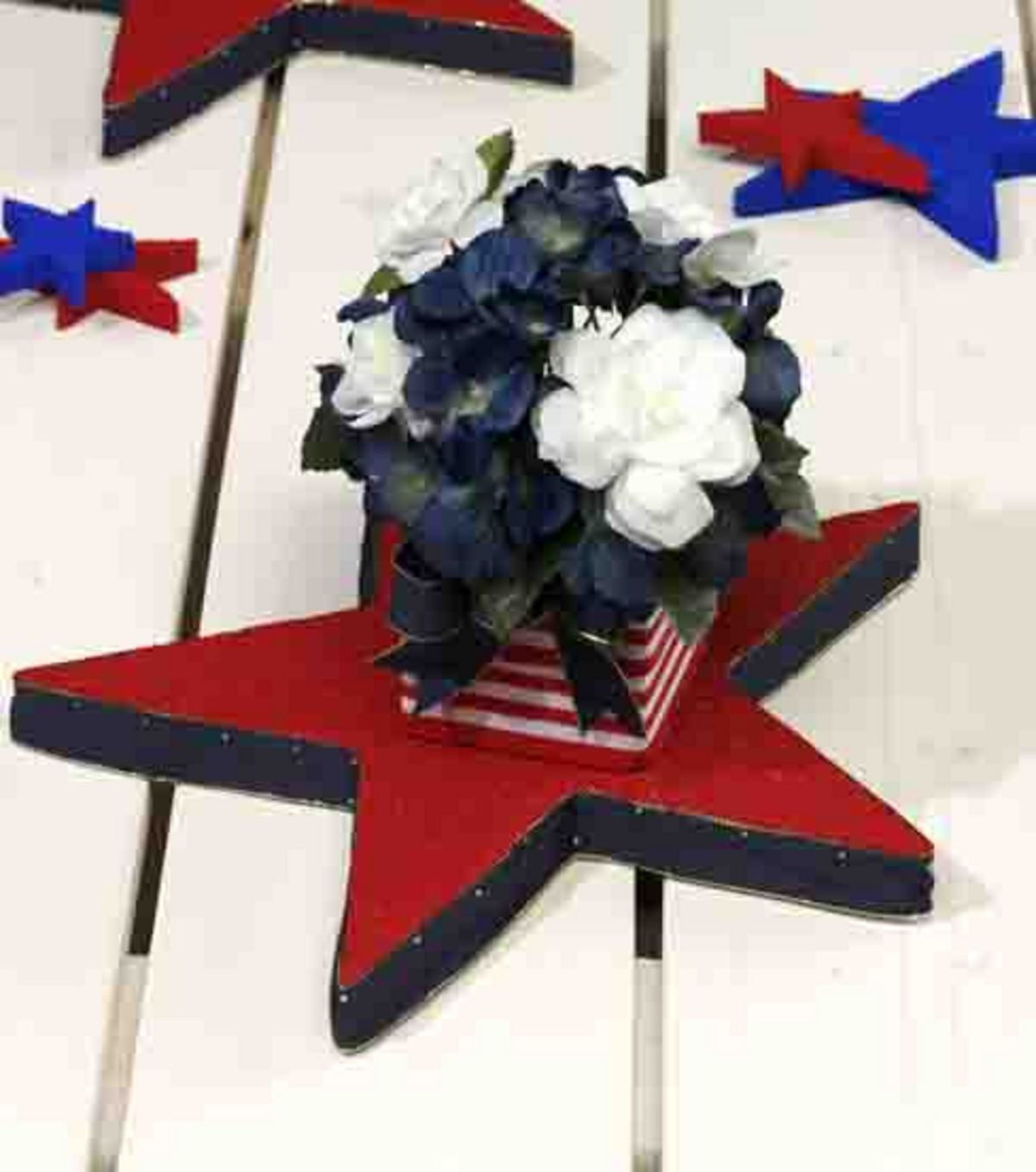 A centerpiece perfect for your 4th of July party!
