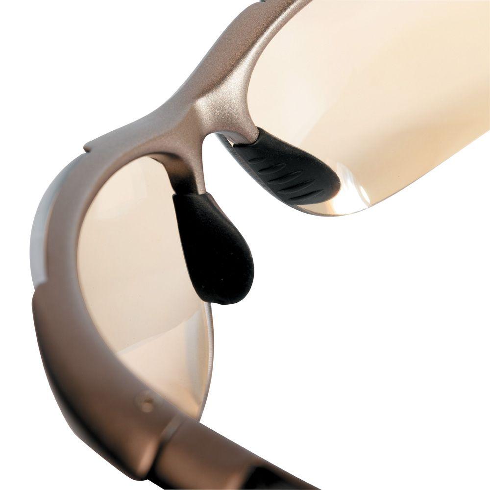 Hochwertige Schutzbrillen von bollé schützen Ihre Augen vor den Gefahren im Beruf. Augenschutz mit Schutzbrillen EN 166 im Onlinestore unter www.adesatos.com kaufen.