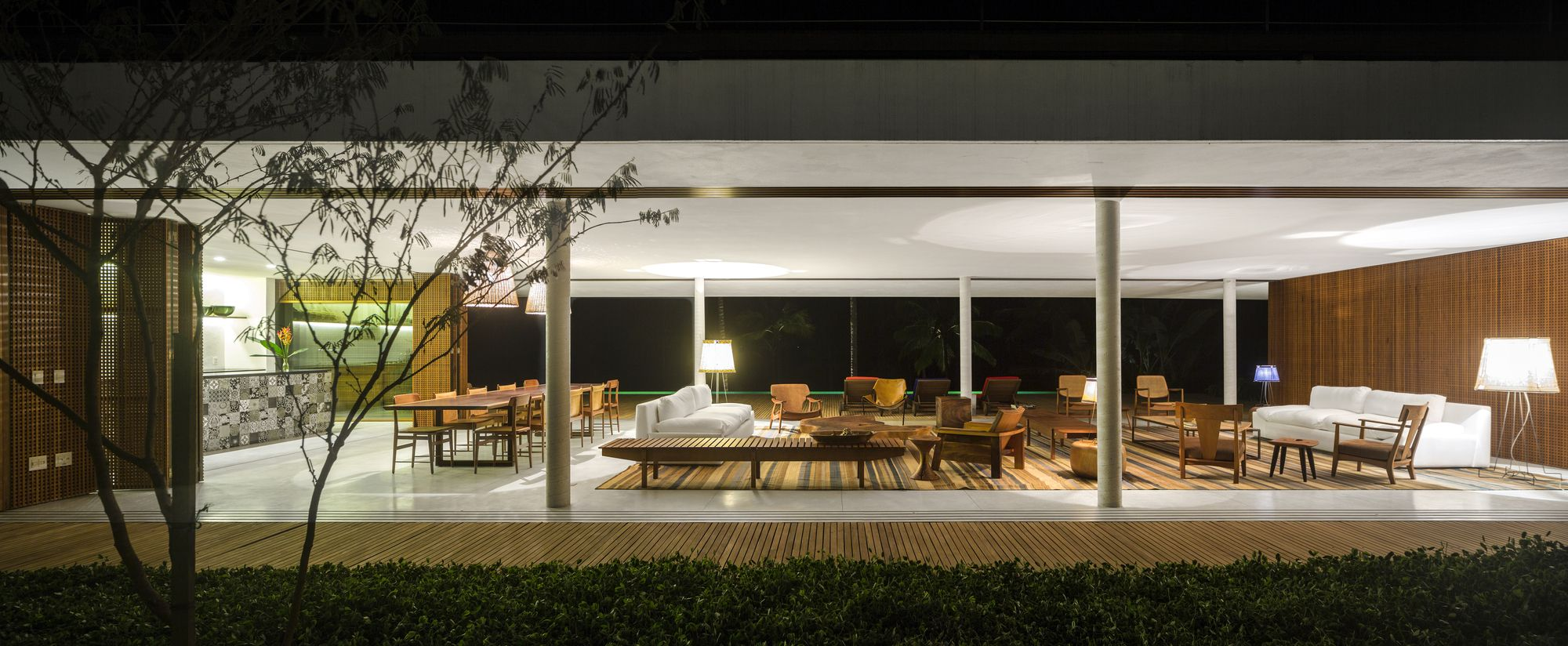 Open layout house concept by studio mk27 - Gallery Of Txai House Studio Mk27 Marcio Kogan Carolina Castroviejo Gabriel Kogan 33