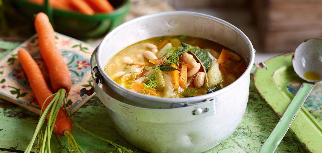 Mediterrane Fenchel-Kartoffel-Suppe mit weißen Bohnen