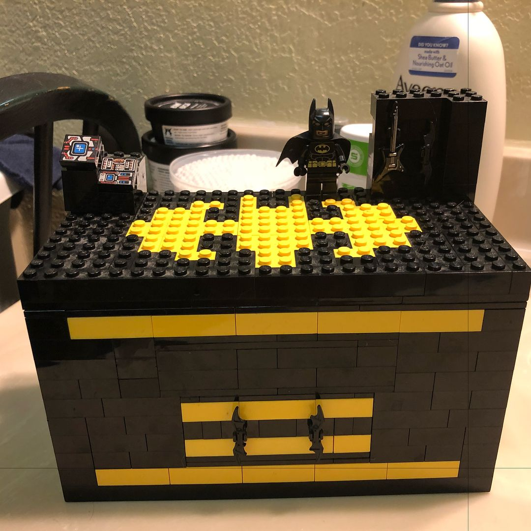 My Lego Batman jewelry box build for my wife Its got a main