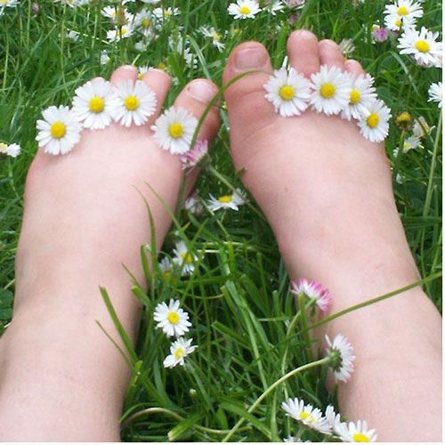{ Sweet little daisy toes }