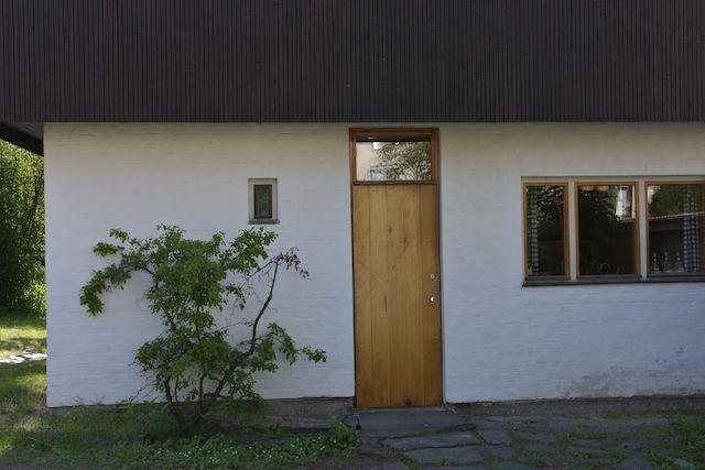 Finland 3-Wooden Door-ikken-Approach / Entrance Pouch-