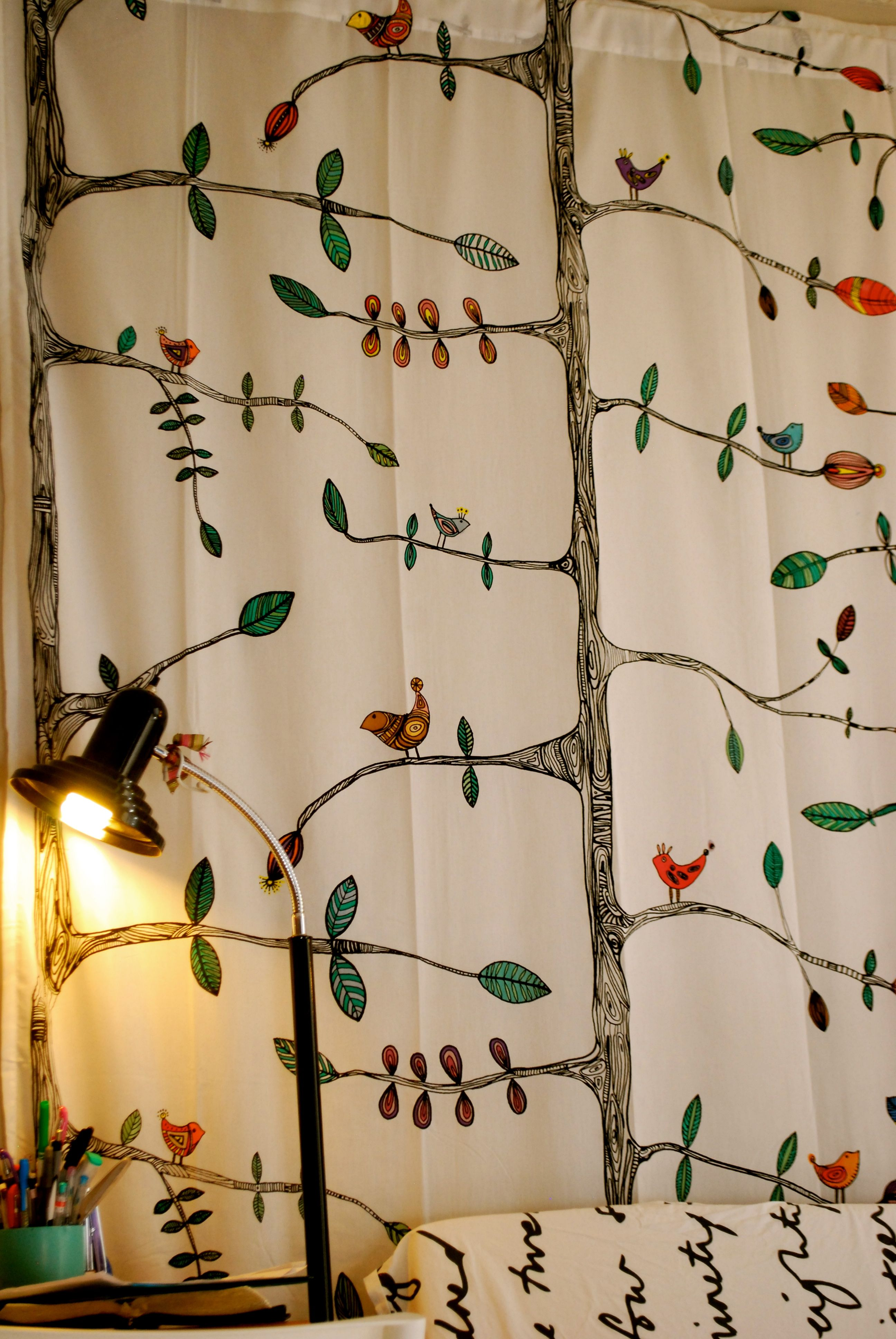 ikea bird curtains with EVERYTHING colored | kitchen/breakfast room