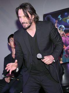 gO9CCBnbn1E | by Keanu Reeves & Benicio Del Toro