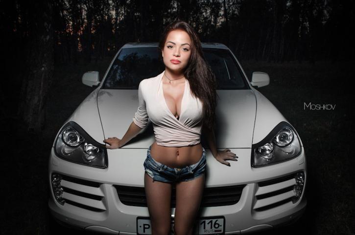 Авто мото с сексуальными девочками
