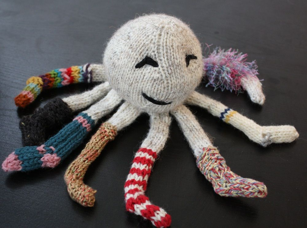 Cute Amigurumi Knitting Patterns : Want to knit this socktopus it s so cute craftspiration